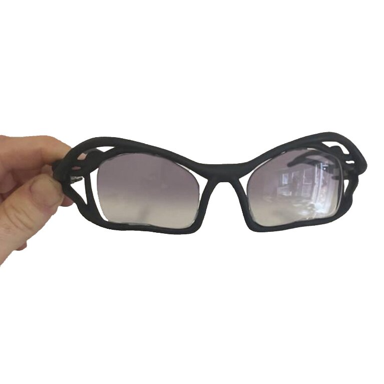 graphene-enhanced-glasses